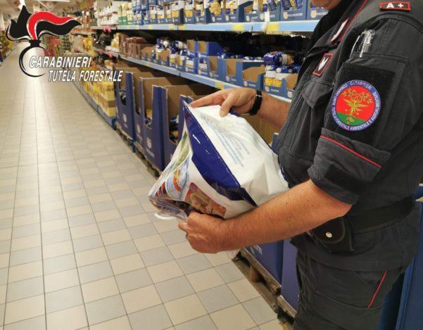 Controlli e sequestri dei Carabinieri Forestali di Avellino in supermercati di Atripalda e Mercogliano - Atripalda News